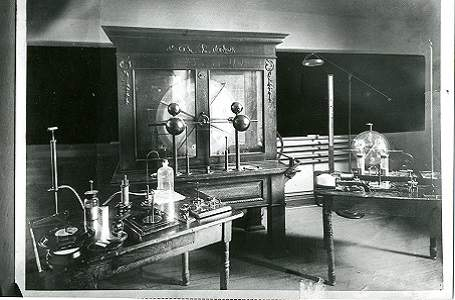 a science classroom in Old Main (1930)